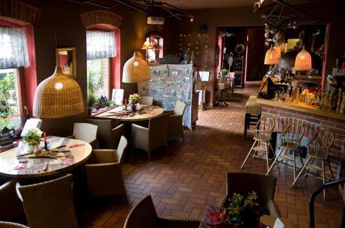 Restauracja lub miejsce do jedzenia w obiekcie Stara Piekarnia