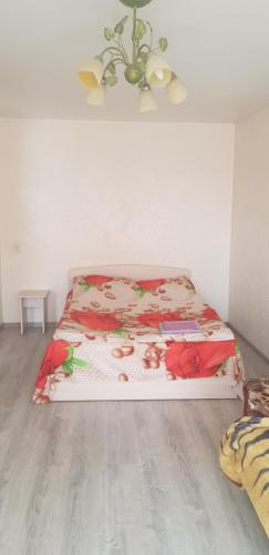 A bed or beds in a room at Apartment Vosstania Square