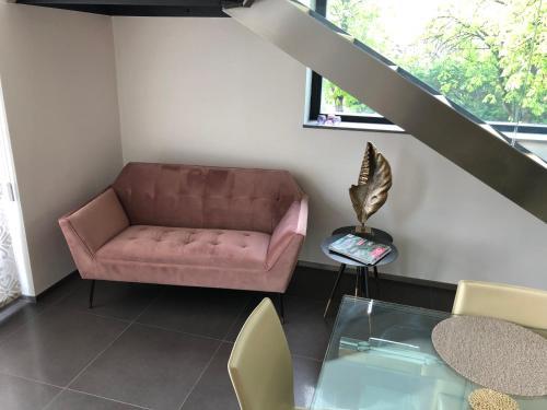 A seating area at Villa Park Executive Apartment Balatonfüred