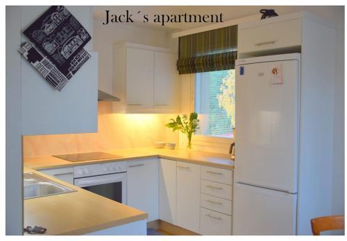 Majoituspaikan Jack´s apartment keittiö tai keittotila