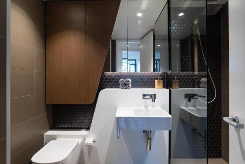 Ein Badezimmer in der Unterkunft Apartment CBD - O'Connor