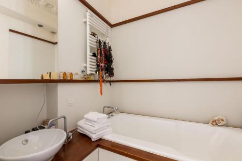 A bathroom at Veeve - Spacious Sanctuary in the Marais