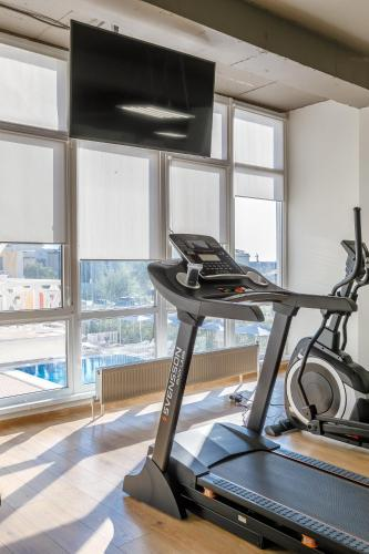 The fitness center and/or fitness facilities at LetooteL Hotel