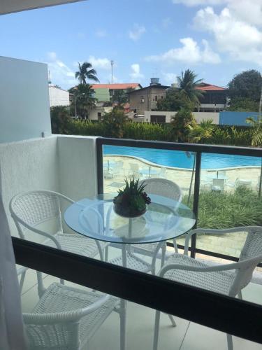 Uma vista da piscina em Laguna Beach Flat ou nos arredores