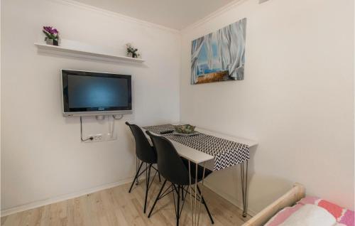 TV/Unterhaltungsangebot in der Unterkunft Amazing apartment in Izola w/ 1 Bedrooms