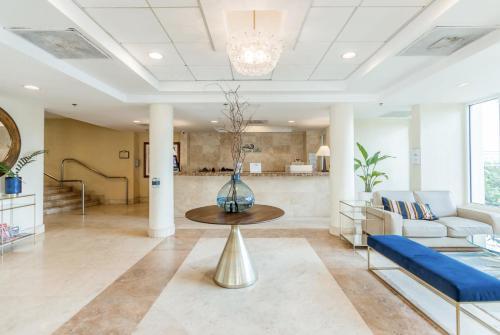 The lobby or reception area at Condado Lagoon Villas at Paseo Caribe