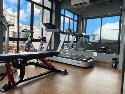 The fitness centre and/or fitness facilities at The Bloom Pham Viet Chanh