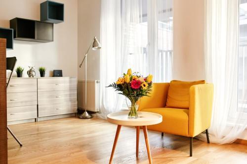 Svetainės erdvė apgyvendinimo įstaigoje Best Rest Apartments Old Town