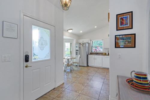 The lobby or reception area at Ideal Vacation Home with private pool minutes to Disney