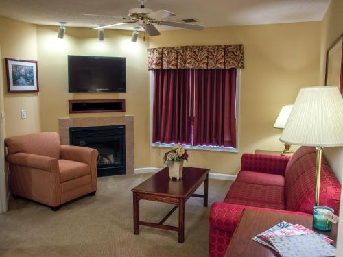 A seating area at Massanutten's Woodstone Meadows by TripForth