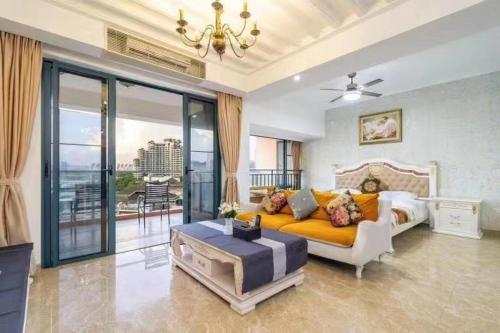 A seating area at L Sea View Apartment (Hongzhou Gongguan Branch)
