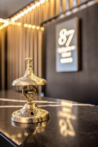 Hotel 87 eighty-seven