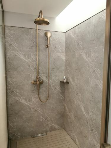 A bathroom at Mercure Chengdu Chunxi