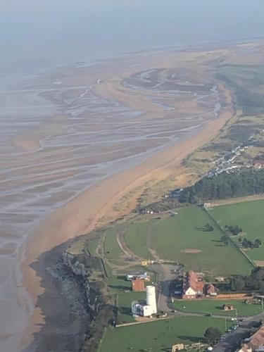 A bird's-eye view of Thistledew Flat 8