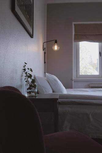 Ein Sitzbereich in der Unterkunft Hotell Villa Borgen
