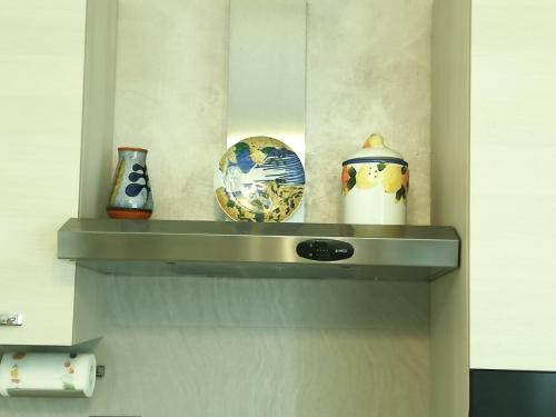 A kitchen or kitchenette at Gim House