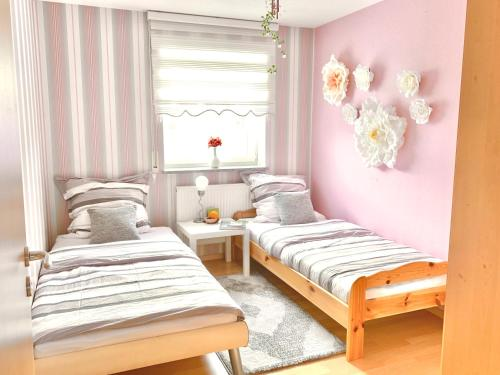 Frauen Zimmer, woman room