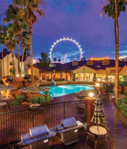 The swimming pool at or near Holiday Inn Club Vacations at Desert Club Resort