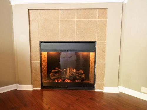 A television and/or entertainment center at 2000 sq.feet-10 mins from Atlanta Airport