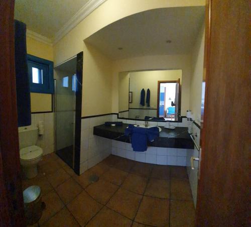 Een badkamer bij Apartamentos Agua Marina