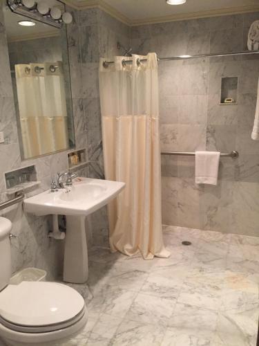 Hotel Elysee (USA New York) - Booking.com