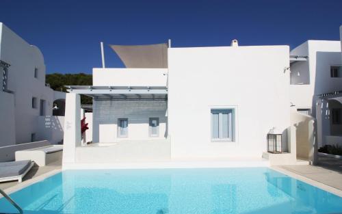 The swimming pool at or close to Palmariva Villas