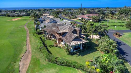 A bird's-eye view of Hale Lani - Custom Built Ocean view Home on Golf Course with A/C