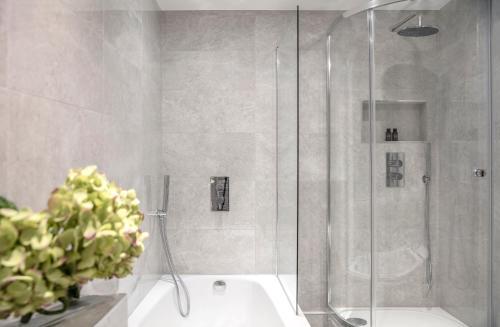 A bathroom at Arlington House Apartments