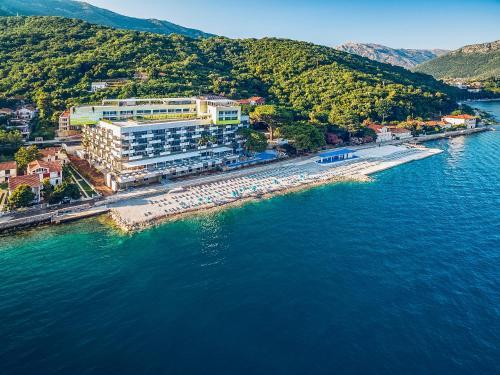 közös pihenés és kezelés montenegróban