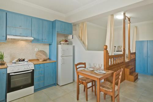 A kitchen or kitchenette at Kalimera Karpathos