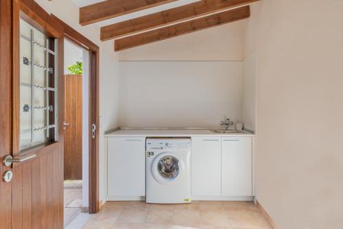 A kitchen or kitchenette at Ses Bessones