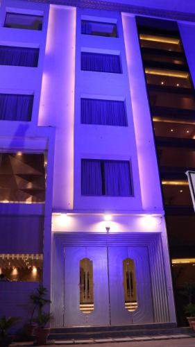 Hotel Lakhdatar