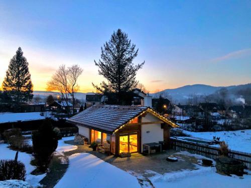 Chata pod Rejvízem v zimě