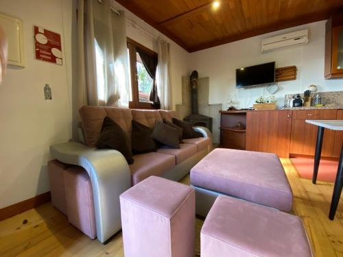 A seating area at Quinta Leiras de Mondim
