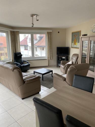 Een zitgedeelte bij Westhoek Apartments