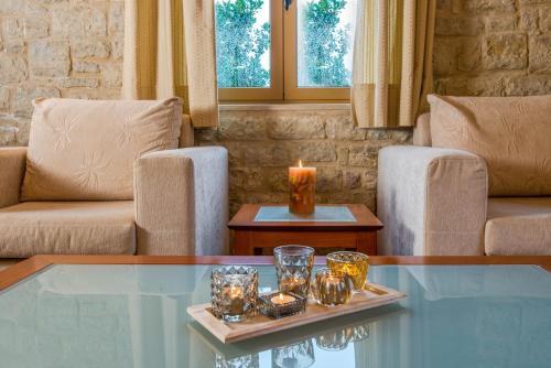 A seating area at Enastron Villas