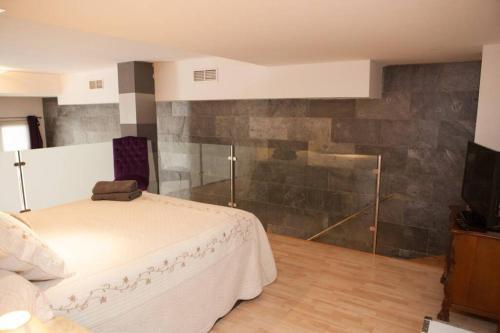 A bathroom at ZONA1 CHARMING LOTF NEXT TO ALCAZAR (FREE PARKING)
