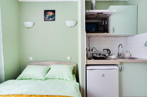 A kitchen or kitchenette at Стильная студия в 1 минуте от Кутузовского проспекта!