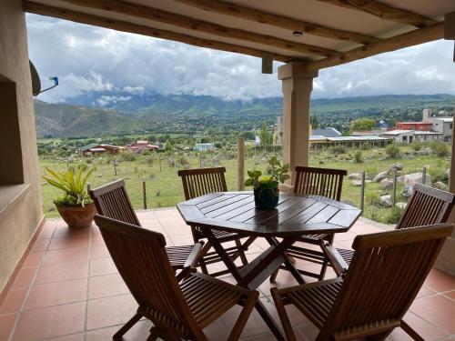 Un balcón o terraza en Familia Amarillo Casa de montaña Para 10 Personas