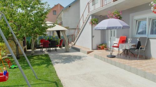 Apartment Tina Gracac Croatia Booking Com