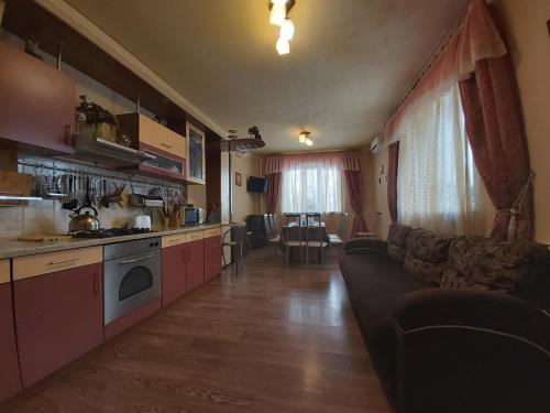 """Кухня или мини-кухня в Гостевой дом """"Марианна"""""""