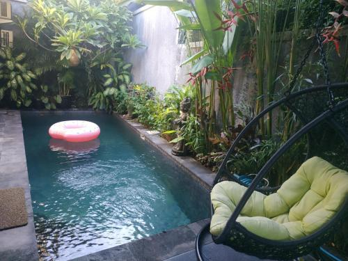 The swimming pool at or close to Saka Umah 2 Bedroom with private pool