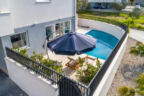 Urban Villa With Heated Private Pool