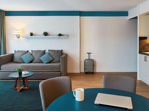 A seating area at Aparthotel Adagio Monaco Palais Joséphine
