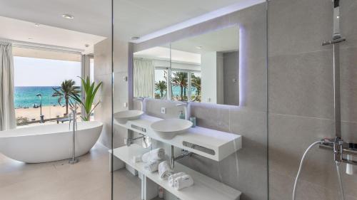 A bathroom at The Hype Beach House