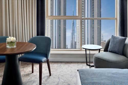 Гостиная зона в Mövenpick Hotel Apartments Downtown Dubai