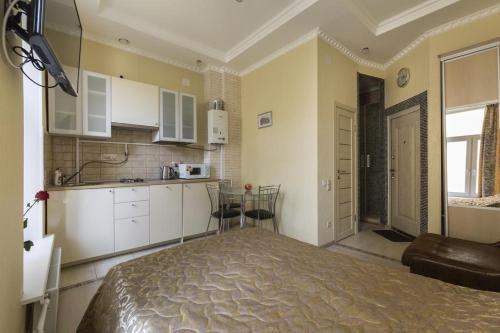 Кухня или мини-кухня в Апартаменты Студия, 32 м², 4/20 эт.