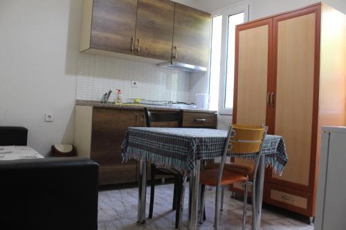 Virtuvė arba virtuvėlė apgyvendinimo įstaigoje Dove Apart Hotel