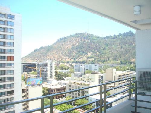 Un balcón o terraza de Brizen Apartments - Manuel Montt