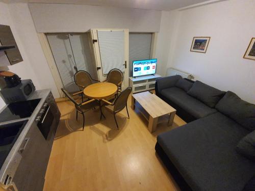Zentrale 2 Zimmer EG Wohnung mit Balkon